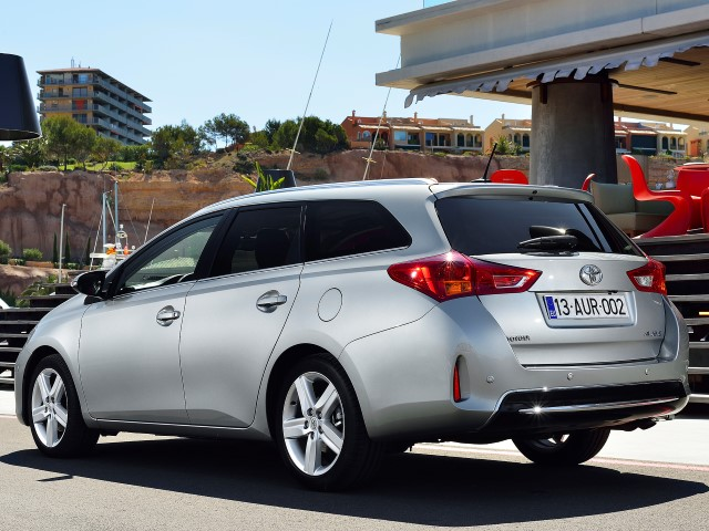 Auris Touring Sports 1.33 Dual VVT-i Exclusive+Skyview