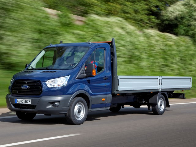 Nova Transit Chassis Cabina Simples 350 L2 2.2TDCi 125 H1 Ambiente