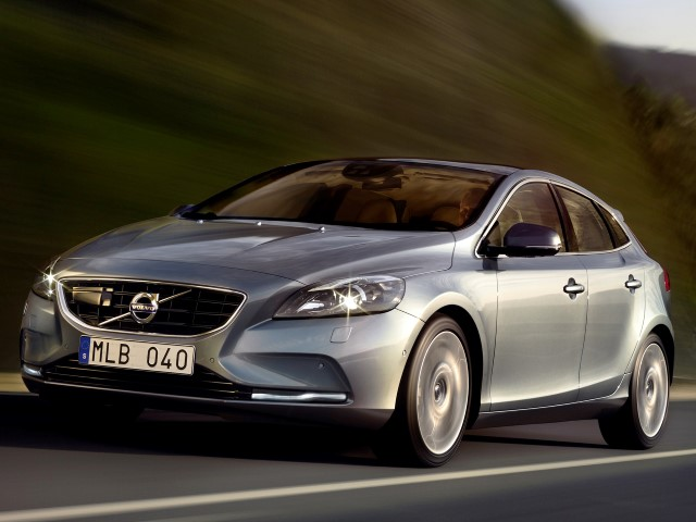 V40 D2 115 Kinetic Eco Powershift